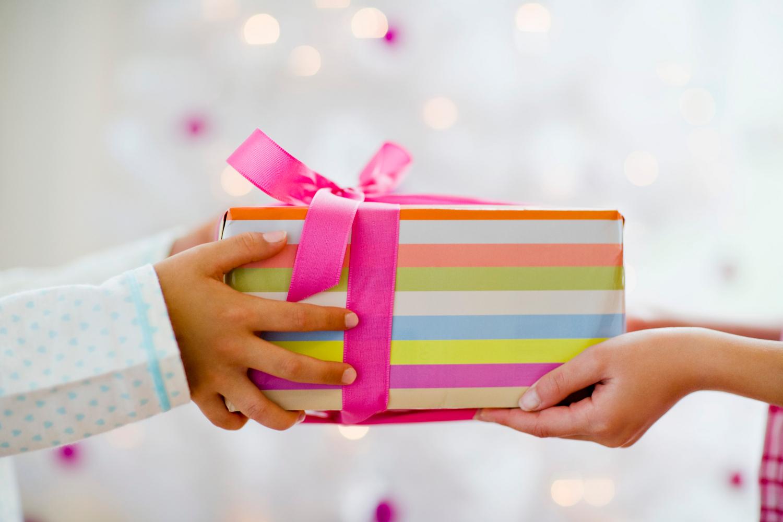 dar regalo